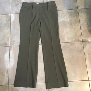 Pants - Double hook Olive green colored pants with pockets